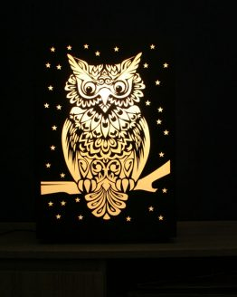 Lampa dekoracyjna przedstawiająca sowę