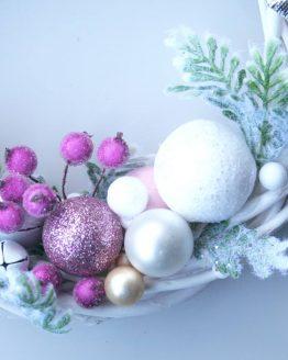 bialo-rozowy wianek - dekoracja na drzwi